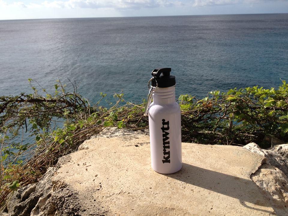 Playa Jeremi, curacao, KRNWTR, kraanwater, fles, rvs fles, bidon