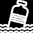 Plastic fles in oceaan